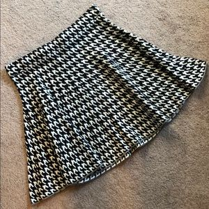 Candie's Houndstooth Knit Skirt Size Small